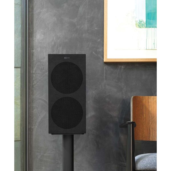 KEF R3 Gloss Black HiFi bookshelf speaker with Grille